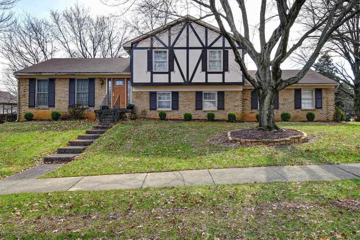 7904 Barbour Manor Dr Louisville KY in Jefferson County - MLS# 1497660   Real Estate Listings For Sale  Search MLS Homes Condos Farms Photo 1