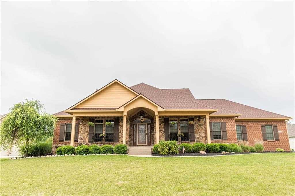 5925 Hickory Woods Drive Plainfield, IN 46168 | MLS 21573475 Photo 1