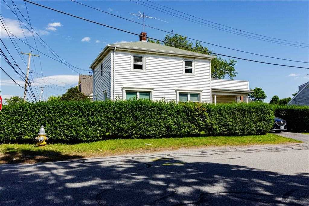 7 Miantonomi AV Middletown, RI 02842 | MLS 1193982 Photo 1