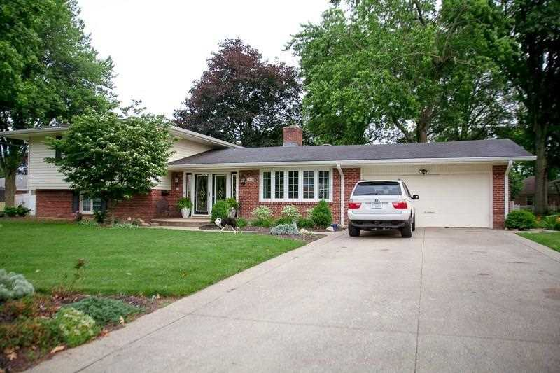 3919 Dogwood Drive Anderson, IN 46011 | MLS 21574887 Photo 1