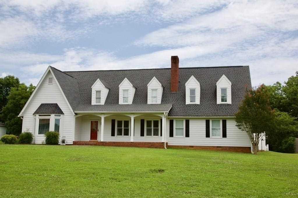 Okay, Huge House, Desirable Neighborhood, Living Room With Fireplace, Huge  Bedrooms,