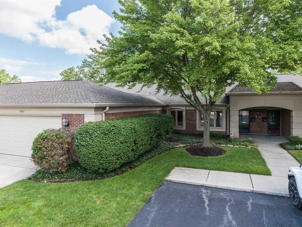 8505 Bent Tree Court Indianapolis, IN 46260 | MLS 21554331 Photo 1