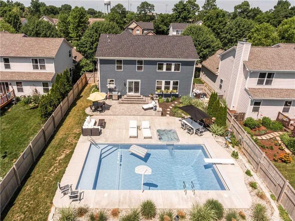 747 Bloor Woods Court Zionsville, IN 46077 | MLS 21575591 Photo 1