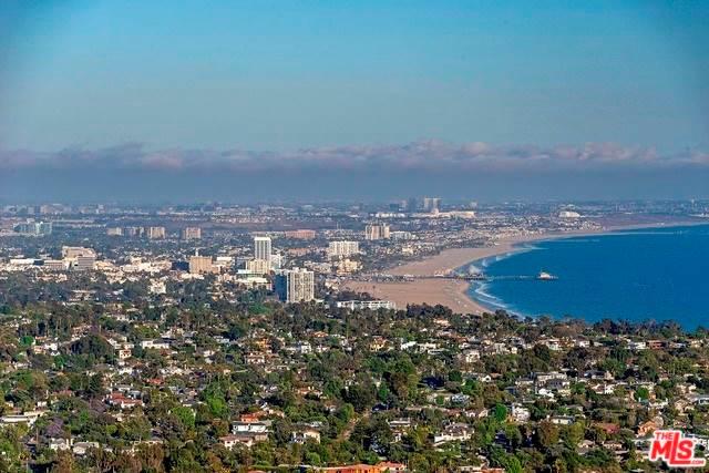 1060 Vista Grande Drive, Pacific Palisades, CA 90272 MLS #18361988  Photo 1