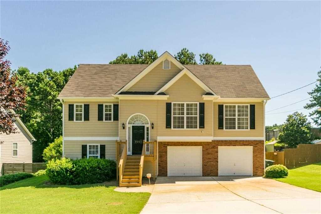 Spacious split-level in the heart of Kennesaw. Open floor plan with ...
