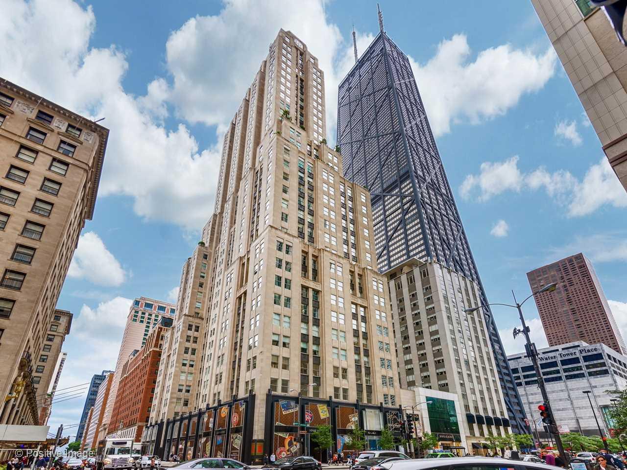 159 WALTON Place #23A Chicago, IL 60611 | MLS 09862752 Photo 1
