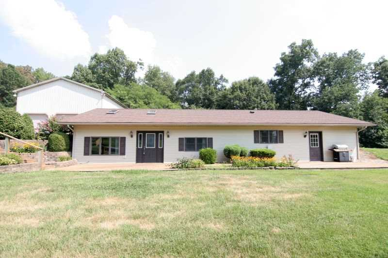 8181 E Old State Rd 64 Stendal, IN 47585 | MLS 201814019 Photo 1