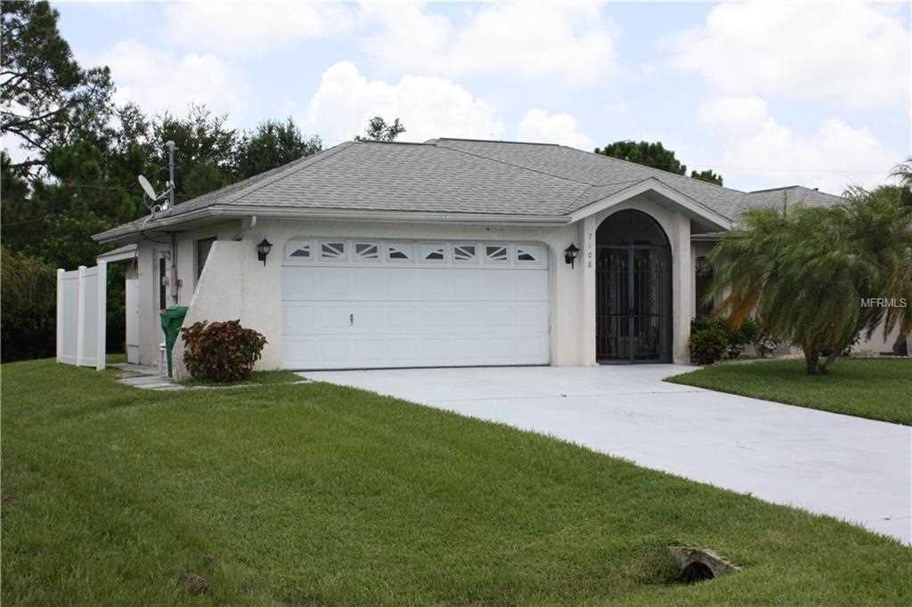 000 Confidential Ave. Englewood, FL 34224 | MLS D6101742 Photo 1