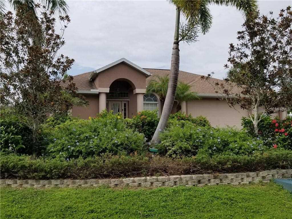 2689 Portia Road Englewood, FL 34224 | MLS D6101922 Photo 1