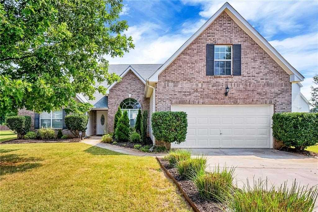 Beautiful Home Move In Ready Featuring 4 Bedrooms And 3 Full Baths