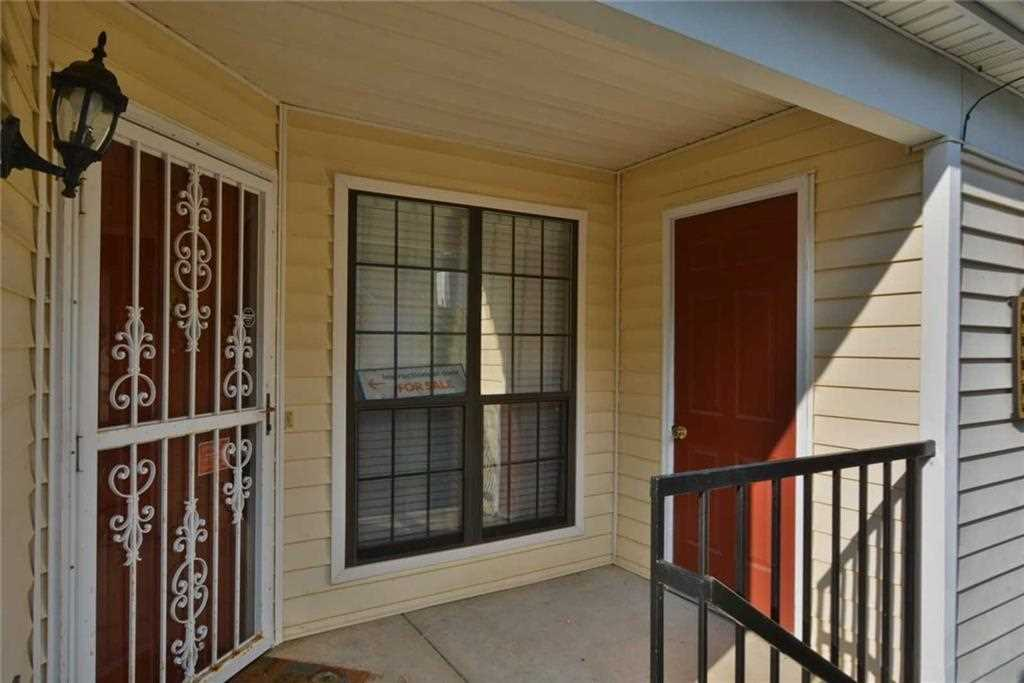 Charming 2BR/2BA Updated With Fresh Two Tone Interior Paint, And All New  Carpeting
