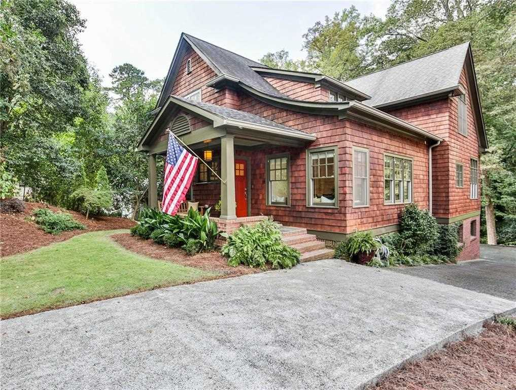 471 Chelsea Circle NE is a homes for sale located in the Druid Hills community of Atlanta Photo 1
