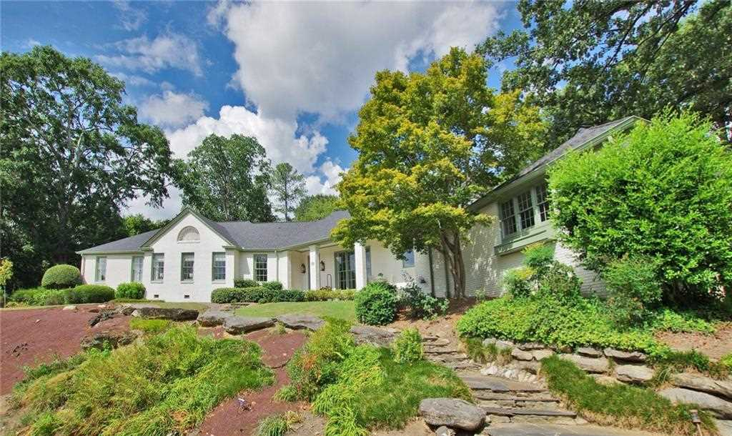 135 Little John Trl NE, Atlanta GA 30309, MLS # 6076986 | Sherwood Forest Photo 1