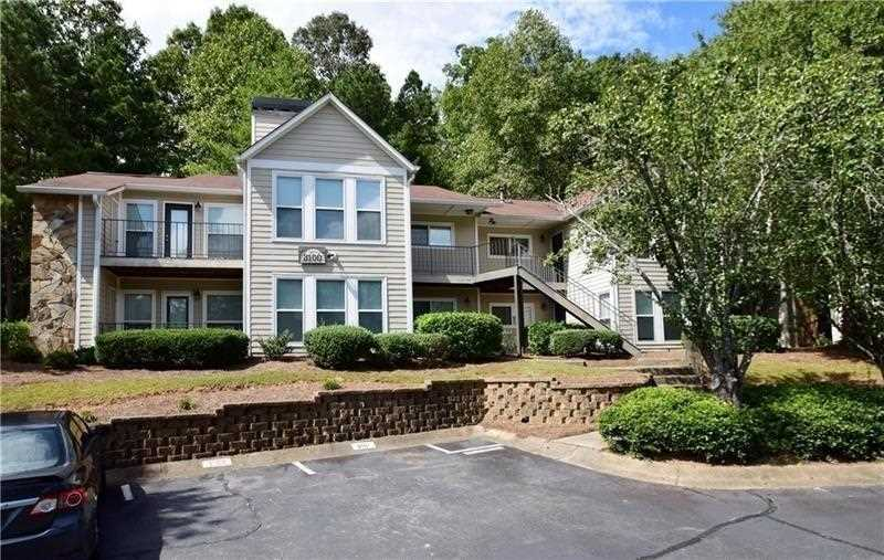 3109 Lake Pointe Circleroswellfultongaroswell Pointecondo For Charming End Unit Ground Level 2 Br