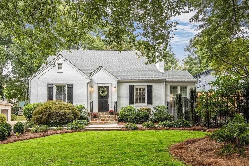 2922 N Hills Dr NE, Atlanta GA 30305, MLS # 6087929 | Garden Hills Photo 1