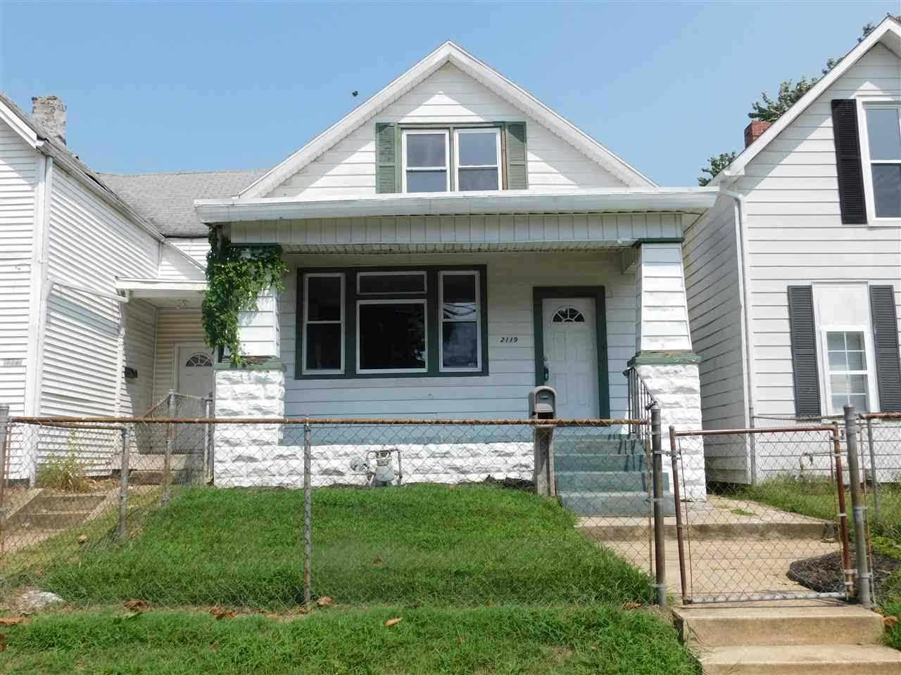 2119 W Iowa Street Evansville, IN 47712   MLS 201815415 Photo 1