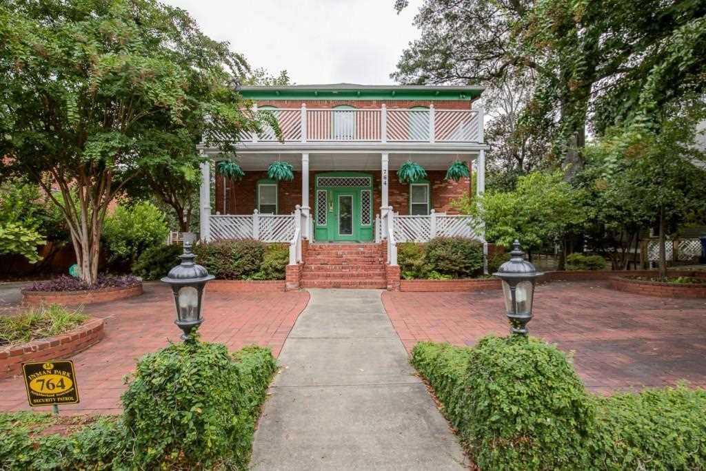 764 Edgewood Ave NE #6 is a condos for sale located in the Inman Park community of Atlanta Photo 1