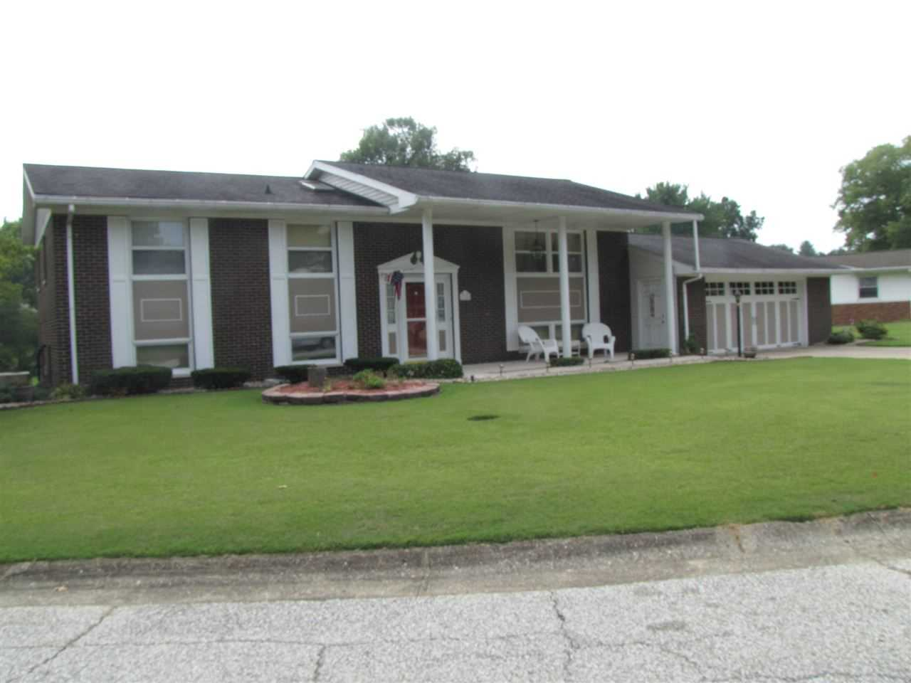 1704 Brentwood Drive Princeton, IN 47670   MLS 201838583 Photo 1