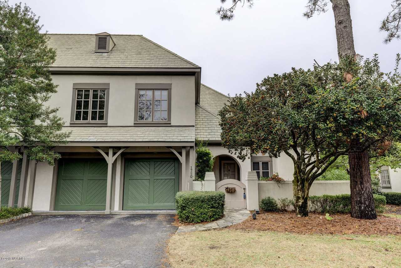Home For Sale At 1710 Fontenay Place, Wilmington NC in Landfall Photo 1