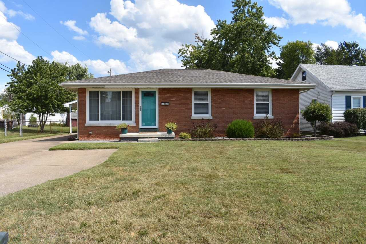 1906 S Weinbach Evansville, IN 47714 | MLS 201840131 Photo 1
