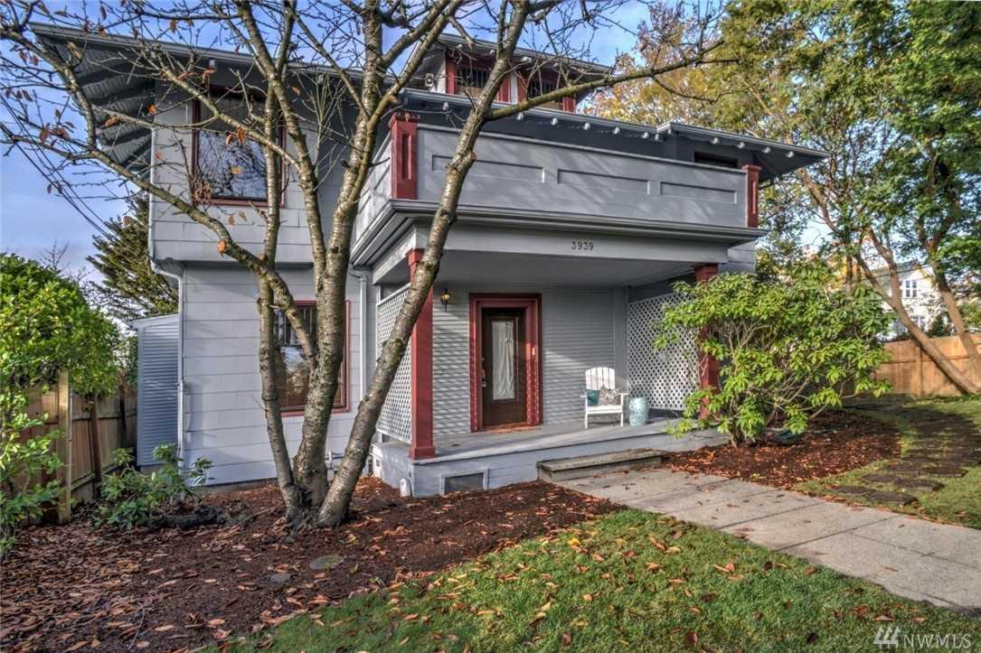 3939 Burke Ave N Seattle, WA 98103 | MLS ® 1389098 Photo 1