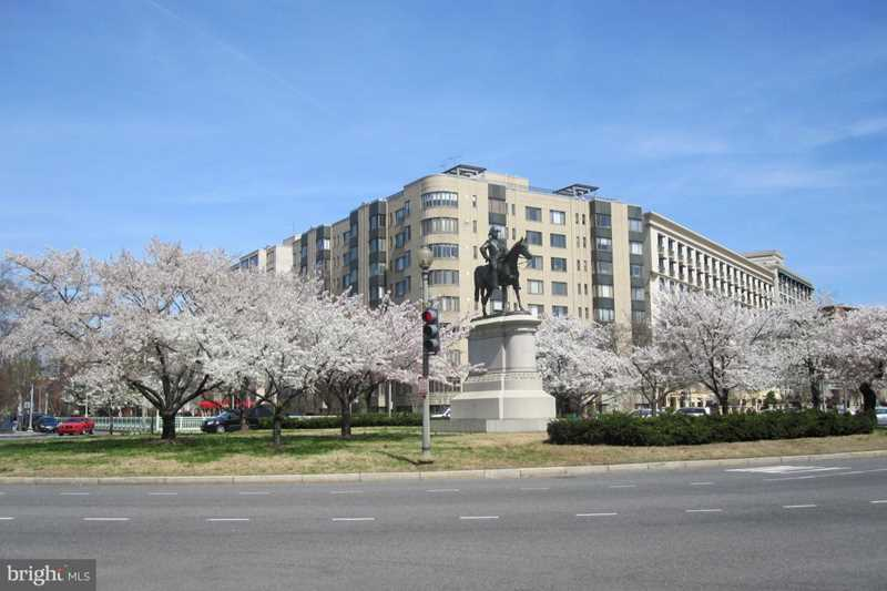 1 Scott Circle NW #20 Washington, DC 20036 | MLS ® 1007531392 Photo 1