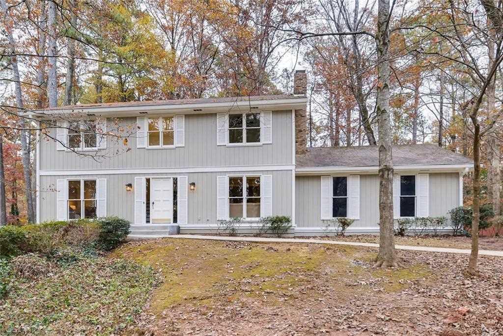 1175 Martin Ridge Rd, Roswell, GA 30076 - Premier Atlanta Real Estate Photo 1