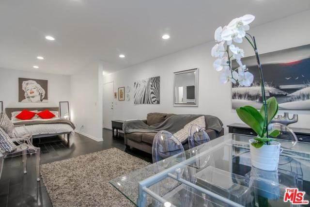 11645 Montana Avenue #110, Los Angeles, CA 90049 | MLS #18412264  Photo 1