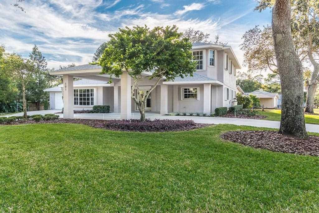 101 S Highland Avenue Tarpon Springs, FL 34689 | MLS U8026397 Photo 1