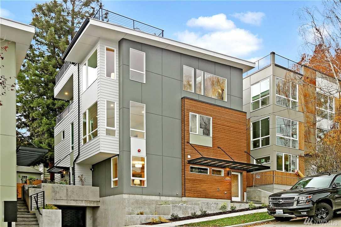3933 2nd Ave NE Seattle, WA 98105 | MLS ® 1392178 Photo 1