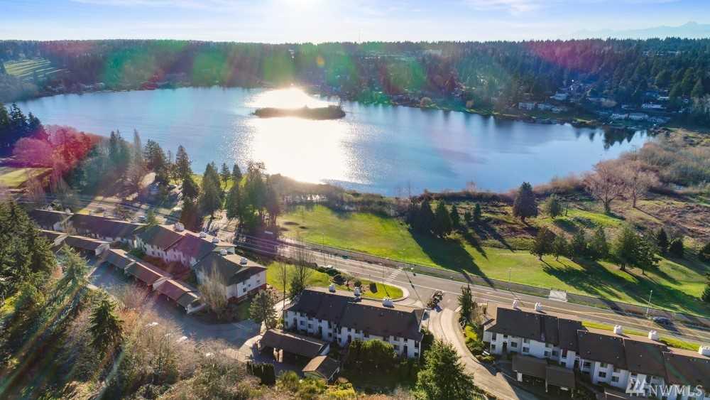 23505 Lakeview Dr #C303 Mountlake Terrace, WA 98043 | MLS ® 1392177 Photo 1