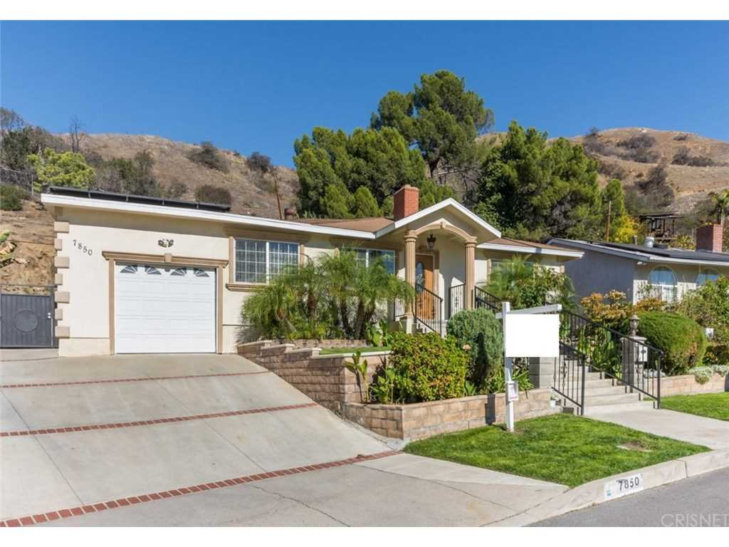 7850 Shadyspring Drive, Burbank, CA 91504 | MLS #SR18286867  Photo 1