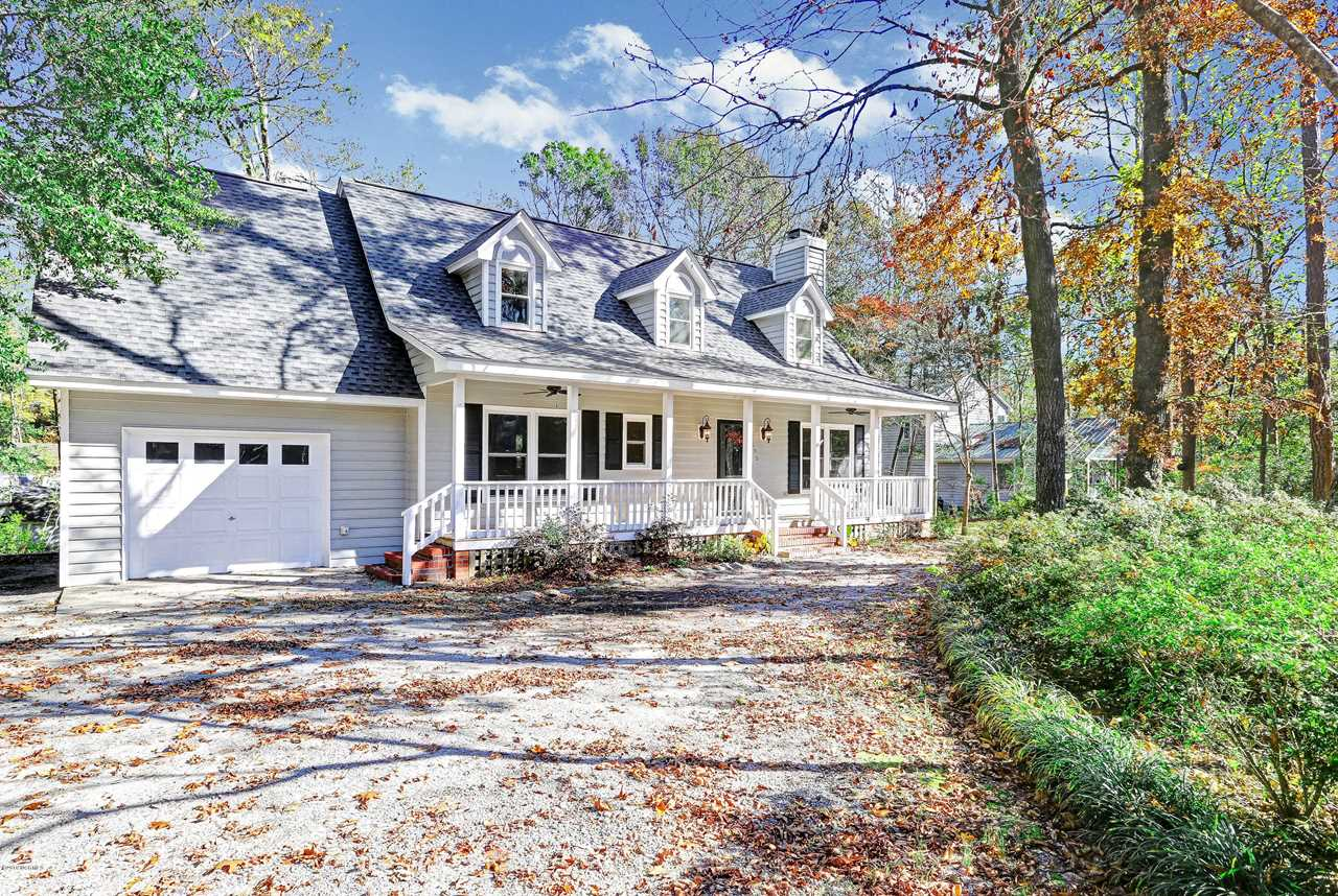 Home For Sale At 605 Porters Neck Road, Wilmington NC in Porters Neck Plantation Photo 1