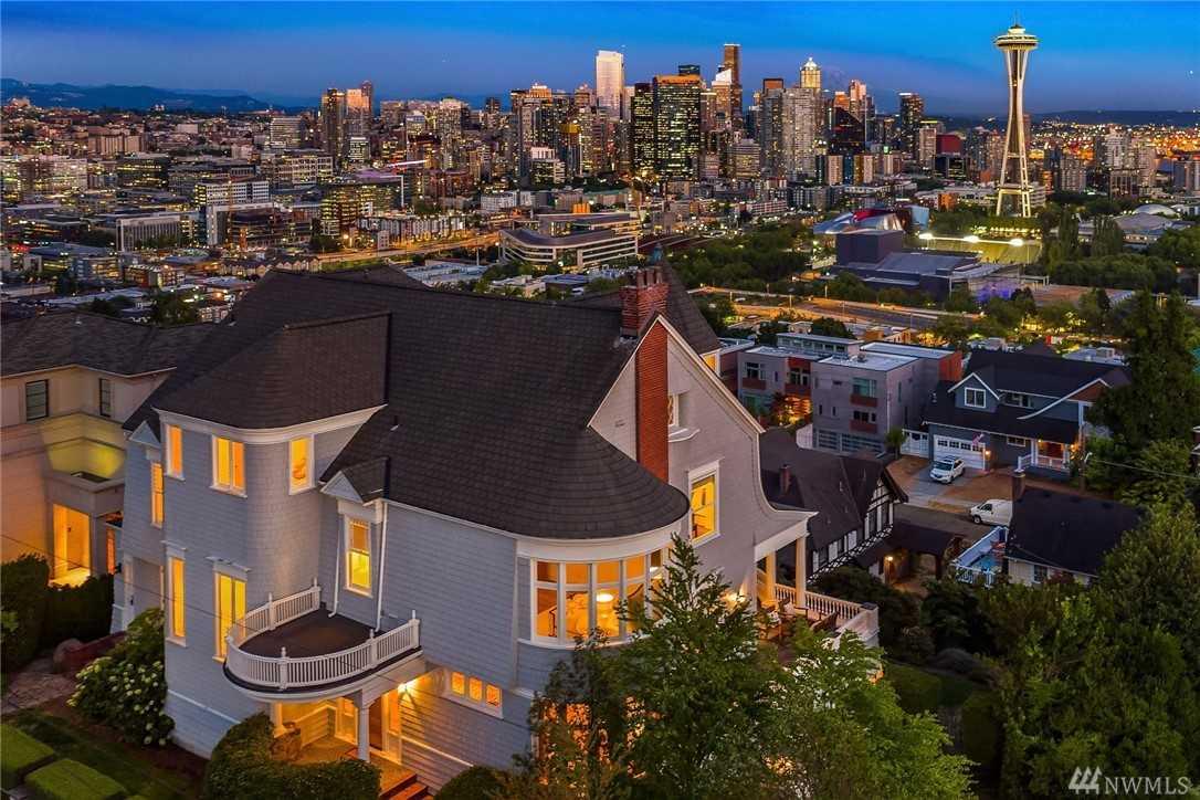 153 Highland Dr Seattle, WA 98109 | MLS ® 1367337 Photo 1