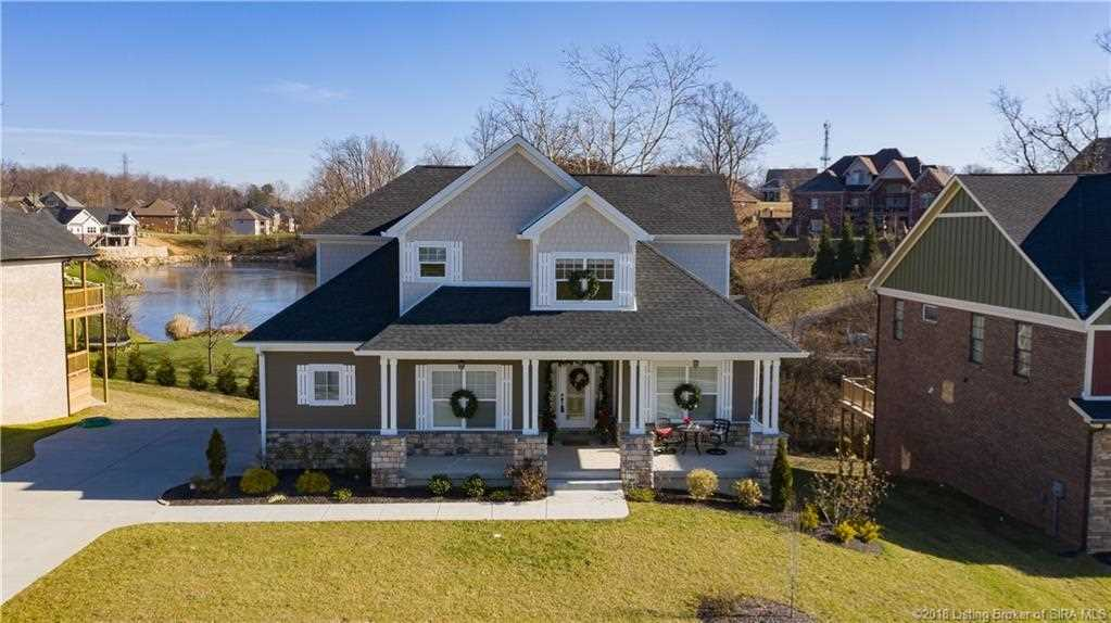 2004 andres way floyds knobs  in 47119