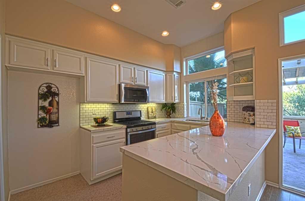 16971 Meadowlark Ridge Rd San Diego, CA 92127 | MLS 180067365 Photo 1