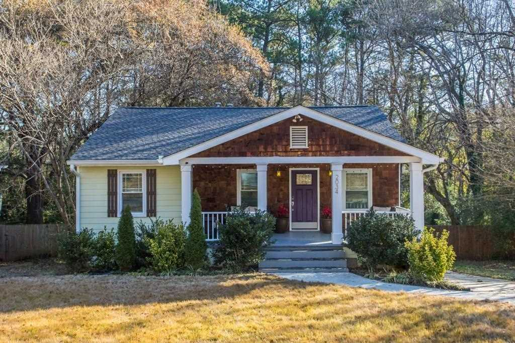 2034 Settle Circle SE is a homes for sale located in the East Atlanta community of Atlanta Photo 1