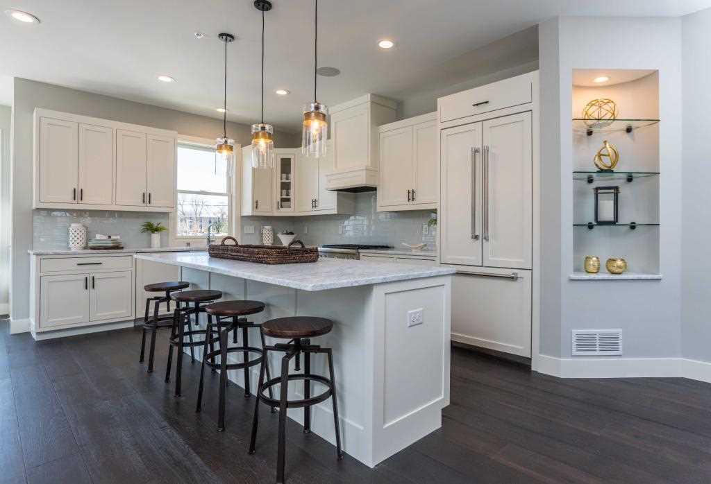 MLS 5133460 | 12 Village Lane, Excelsior MN 55331 | home for sale  Photo 1