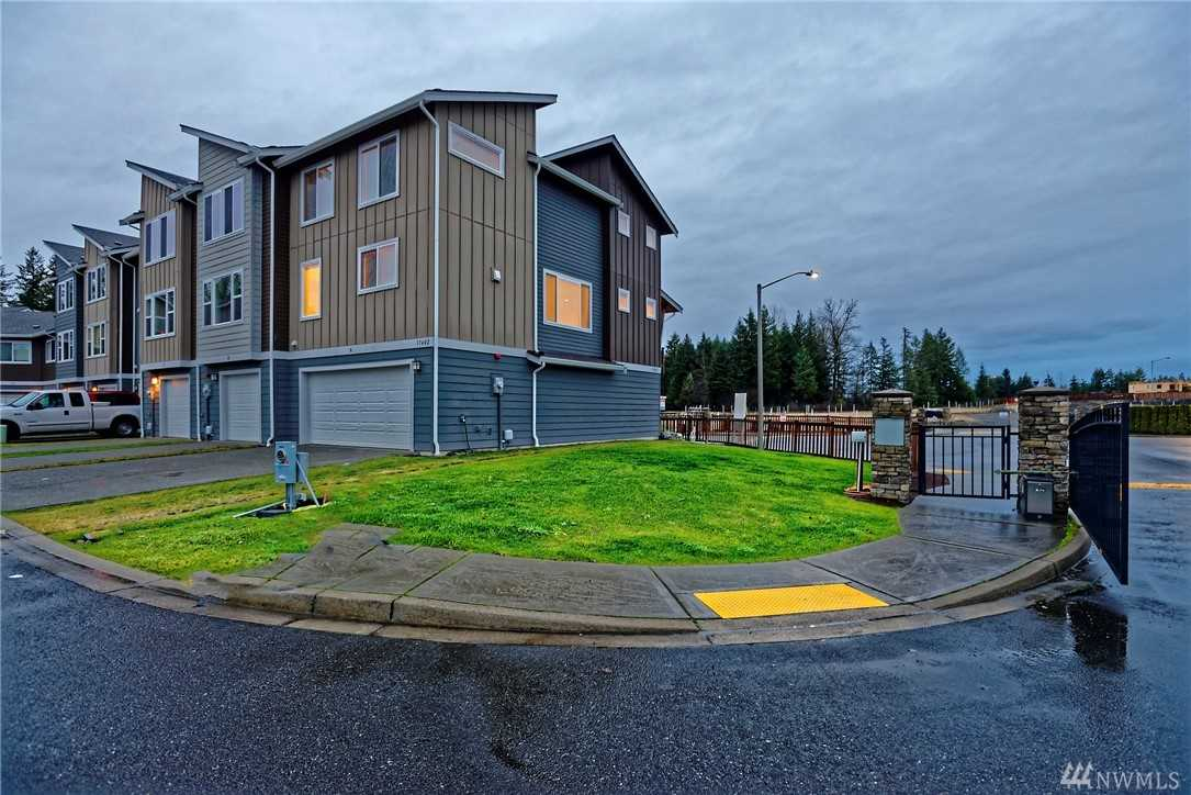 17402 118th Ave Ct E #A Puyallup, WA 98374 | MLS ® 1394384 Photo 1