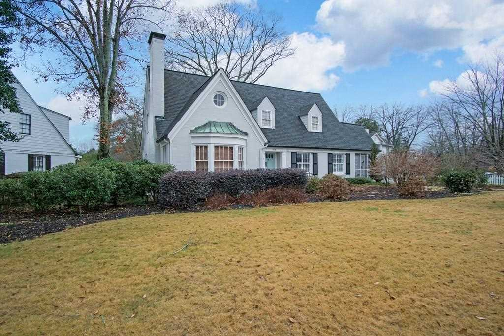 626 Clairemont Ave is a homes for sale located in the Clairemont Estates community of Decatur Photo 1