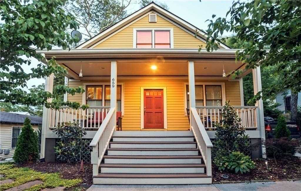 659 Wylie St SE is a homes for sale located in the Cabbagetown community of Atlanta Photo 1