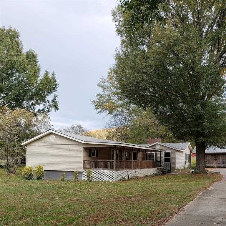 Single Wide Mobile Home That Has Several Additions Are 2 Possibly 3