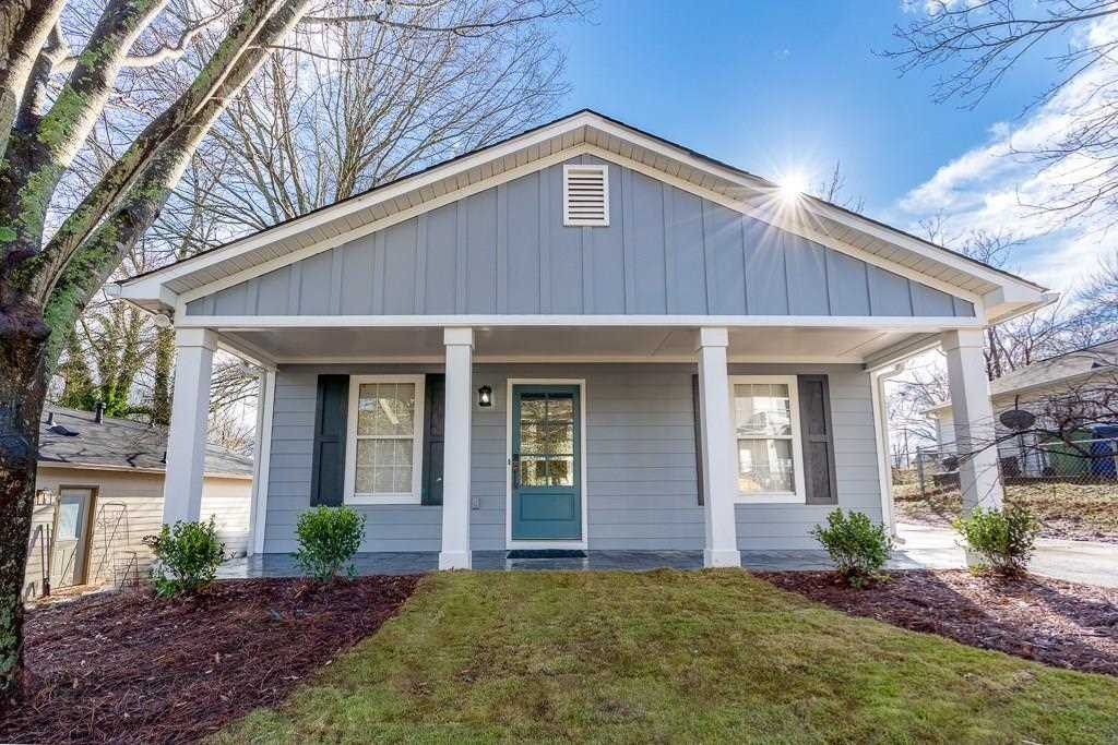 1569 NE New St NE is a homes for sale located in the Edgewood community of Atlanta Photo 1