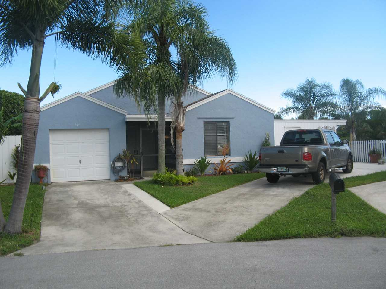 56 Hastings Lane Boynton Beach, FL 33426 - MLS# RX-10465959 | BoyntonBeachRealEstate.com Photo 1