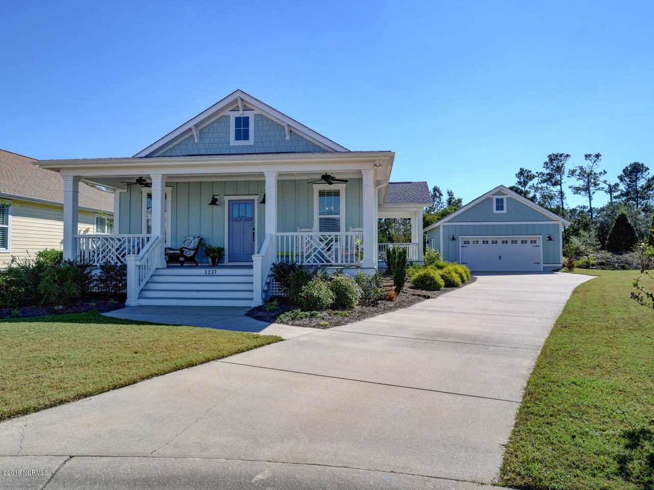 Home For Sale At 1237 N Caswell Avenue, Southport NC in Cades Cove Photo 1