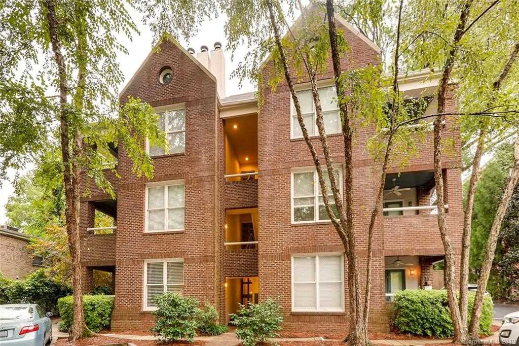 2220 Roswell Ave Charlotte, NC 28207 | MLS 3461360 Photo 1