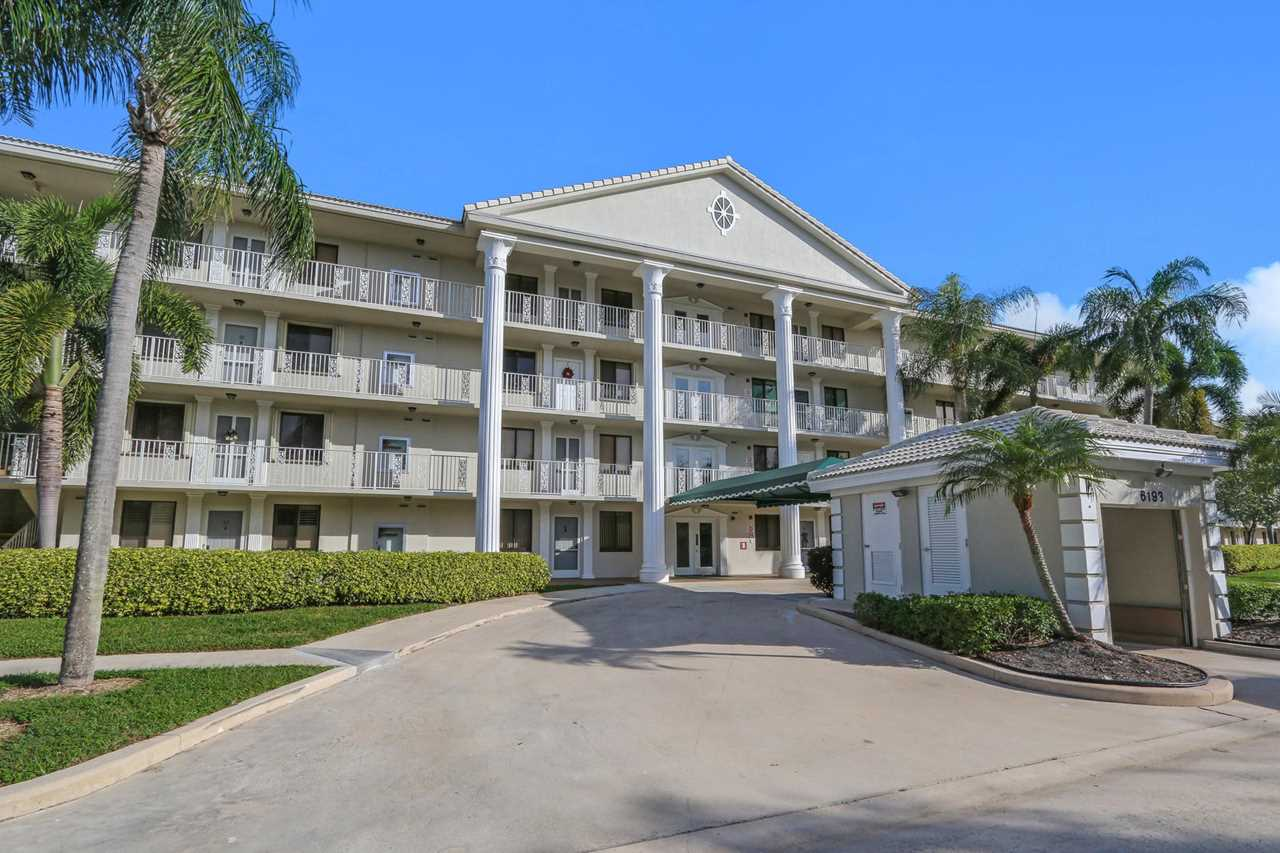 6193 Balboa Circle #304 Boca Raton, FL 33433 | RX-10493126 - BocaLuxuryCondos.com Photo 1
