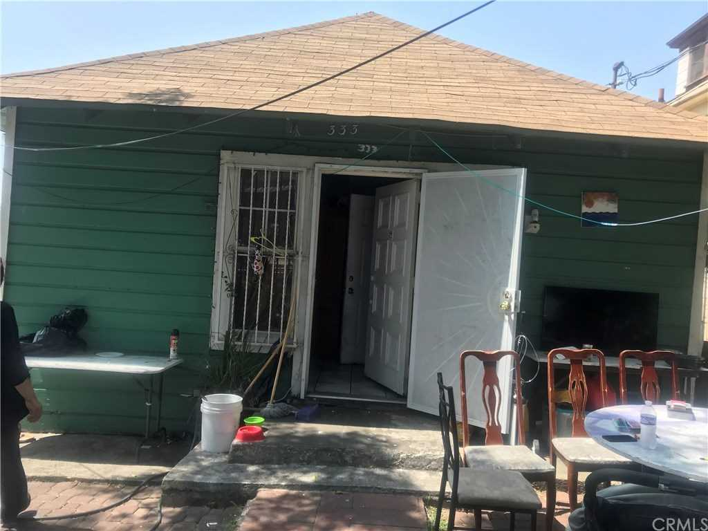333 Douglas Street, Los Angeles, CA 90026 | MLS #RS19006029  Photo 1
