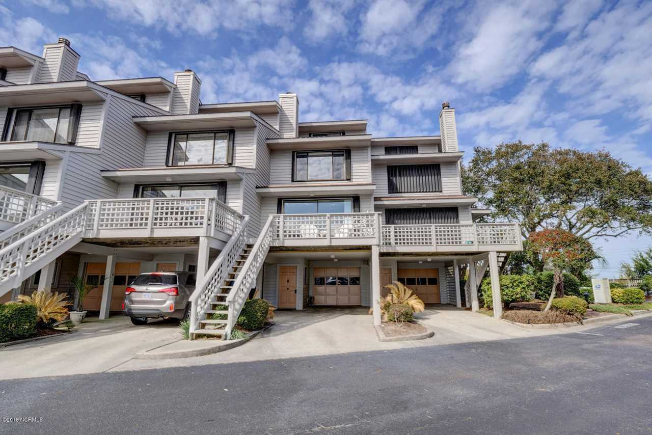Home For Sale At 8 Lookout Harbour, Wrightsville Beach NC in Lookout Harbour Condos Photo 1