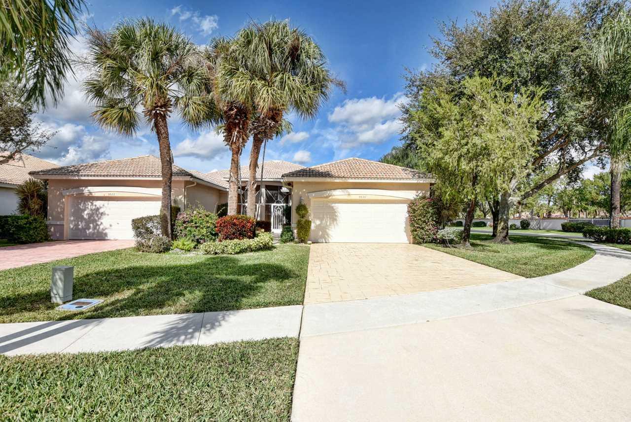9826 Crescent View Drive Boynton Beach, FL 33437 - MLS# RX-10494047 | BoyntonBeachRealEstate.com Photo 1